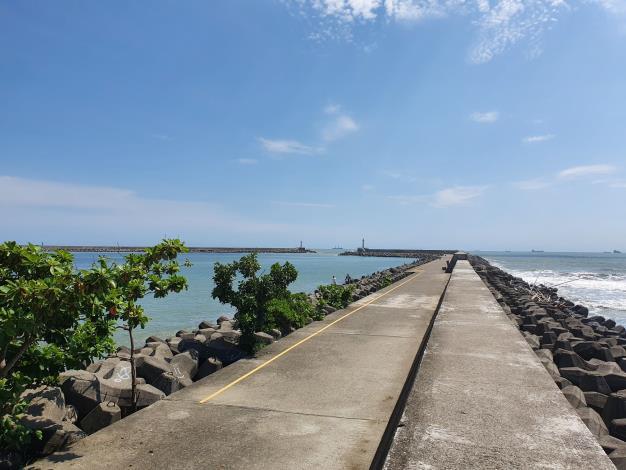安平漁港北外防波堤垂釣區
