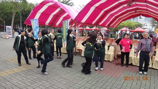 活力蹦蹦跳--由志工隊帶來熱情的開場演出(6)