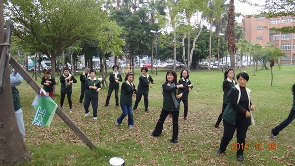 活力蹦蹦跳--由志工隊帶來熱情的開場演出(4)
