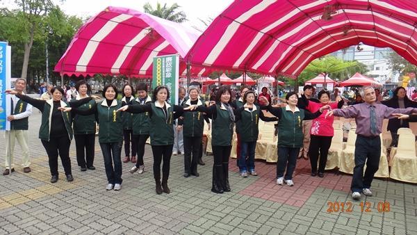 活力蹦蹦跳--由志工隊帶來熱情的開場演出(5)