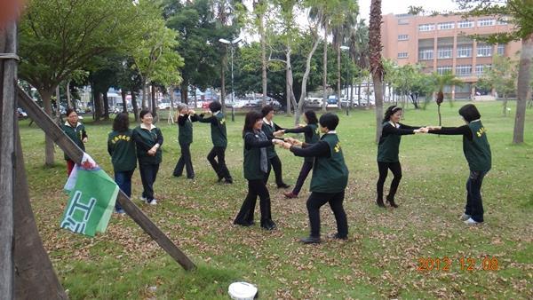 活力蹦蹦跳--由志工隊帶來熱情的開場演出(2)