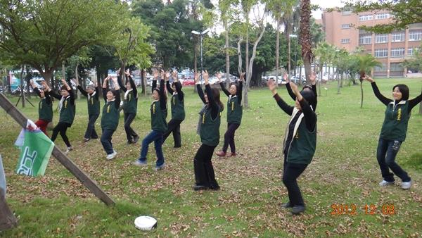 活力蹦蹦跳--由志工隊帶來熱情的開場演出(3)