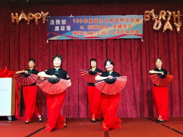8月7日志工舞蹈表演1