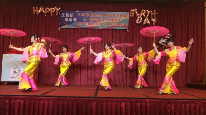 8月7日志工舞蹈表演