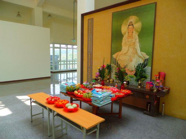 大內納骨堂設施-3樓大殿供奉觀音菩薩