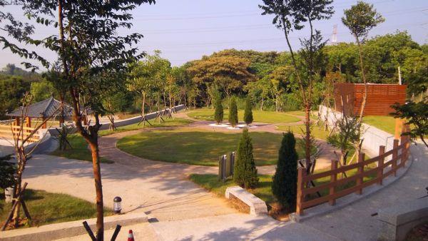 大內生命園區骨灰植存專區-從步道鳥瞰雙圓