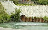 西口小瑞士-發電廠-日治時期,有「水利奇才」美譽的日人八田與一,在興造嘉南大圳時,為防珊瑚潭缺水,乃在烏山嶺山腹內,開鑿了一條約四公里長的引水道,引曾文溪經東口流入烏山嶺引水道,然後流至「西口小瑞士」,再由此注入珊瑚潭。