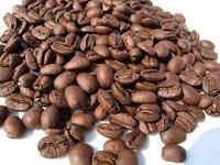 咖啡-東山區南勢里崁頭山正好位於此間山區,海拔約500至800公尺,緯度、地質、氣候都很適合,鄰近又有曾文、烏山頭及白河水庫可以調節濕度,加上半日照環境,相當適合咖啡的生長。由於日夜溫差大,加上東山區農民採有機方式栽培,因此種出高品質的咖啡豆。