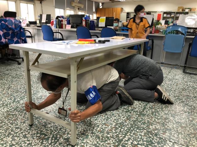 地震期初緊急避難演練_200916_5