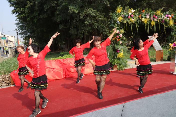 社區媽媽舞春風