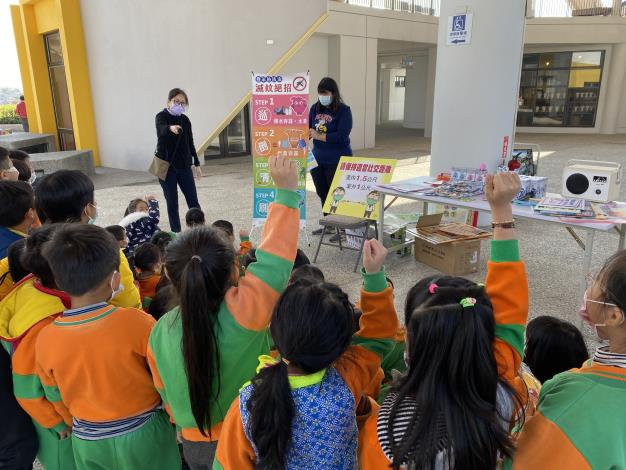 7.健光幼稚園踴躍回答登革熱相關問題.JPG