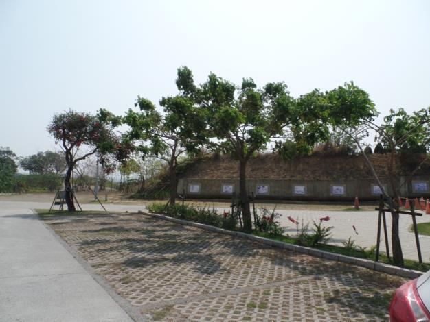 園區景觀及停車場