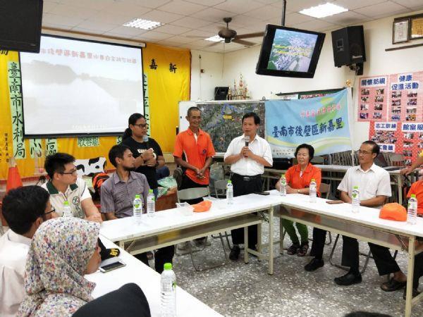 印尼政府到本區新嘉里參訪照片,共6張