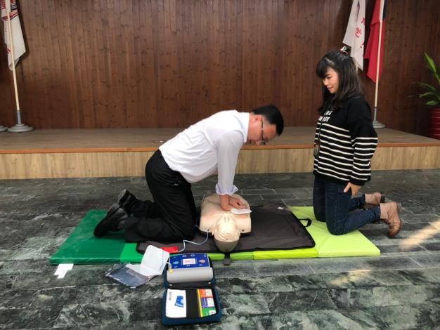區長實際操作CPR