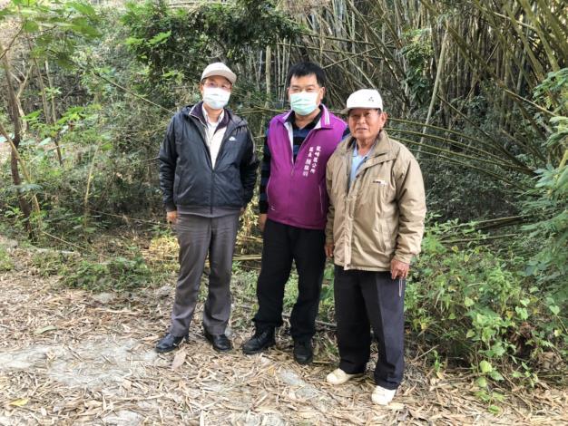 110年度防汛期前,顏區長振羽等訪視土石流潛勢溪流保全住戶