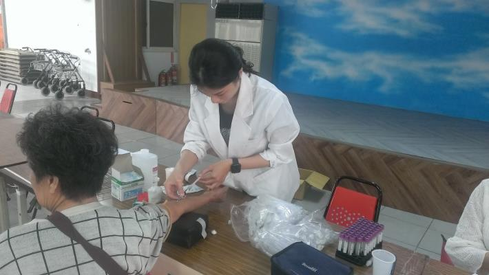 夢傳城扶輪社-預防保健檢驗暨捐贈弱勢活動