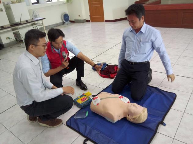 109年AED「安心場所認證」講習與實作演練 (9)