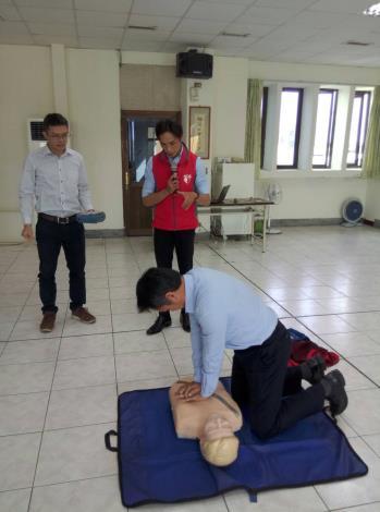 109年AED「安心場所認證」講習與實作演練 (7)