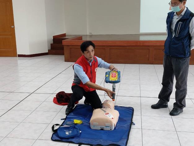 109年AED「安心場所認證」講習與實作演練 (2)