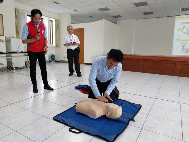 109年AED「安心場所認證」講習與實作演練 (1)
