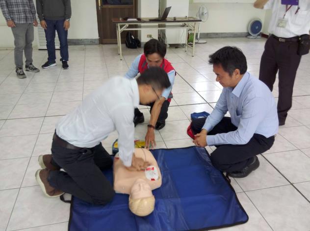 109年AED「安心場所認證」講習與實作演練 (6)