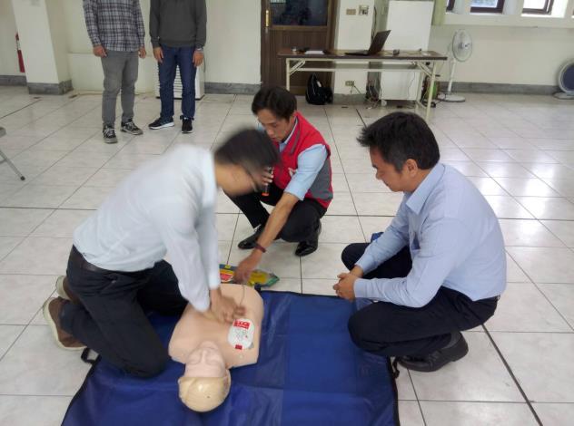 109年AED「安心場所認證」講習與實作演練 (8)