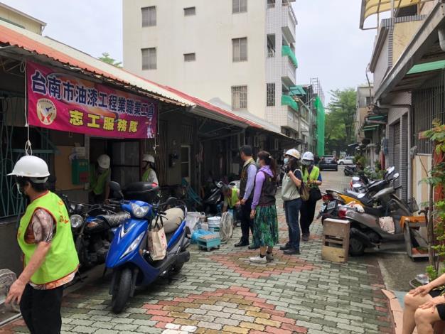 社會愛心-區長到振興里關心勞工局及相關行善團 (8).JPG