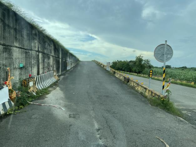 鐵線一過水橋4