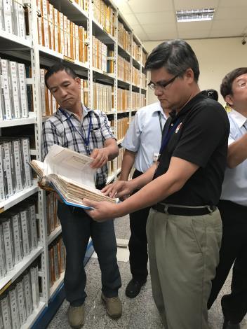 臺東縣政府民政局參訪本所檔案室