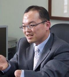 臺南市副市長許育典