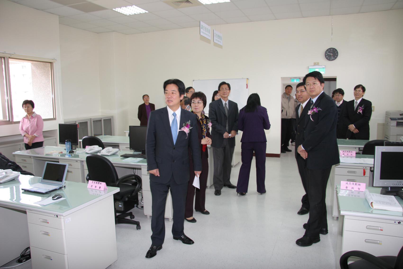 市長巡視新成立災害防救辦公室