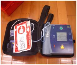 自動心臟電擊器(AED)