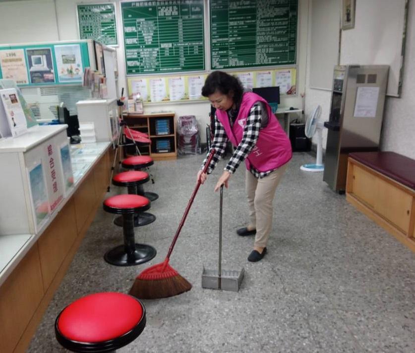 志工媽媽協助環境清潔